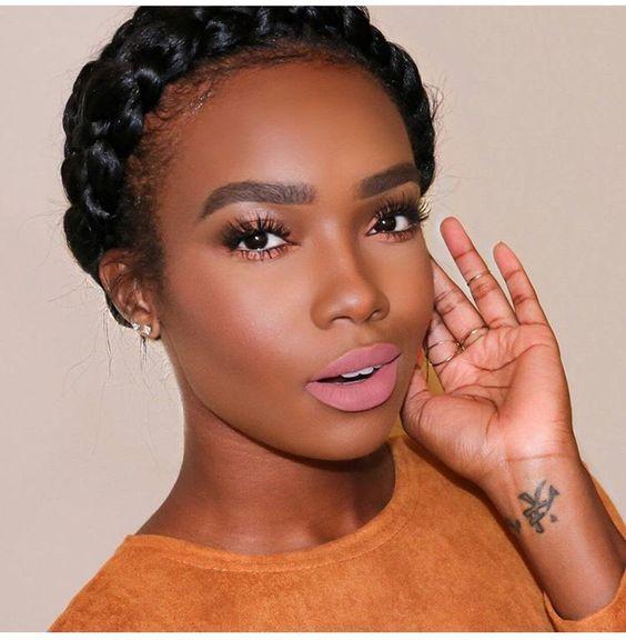 Matowa szminka – wiosenny trend