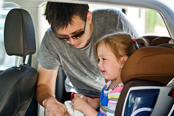Jak pomóc dziecku przetrwać podróż?