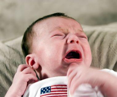 Kiedy biegunka u niemowlaka bywa groźna? Objawy odwodnienia.